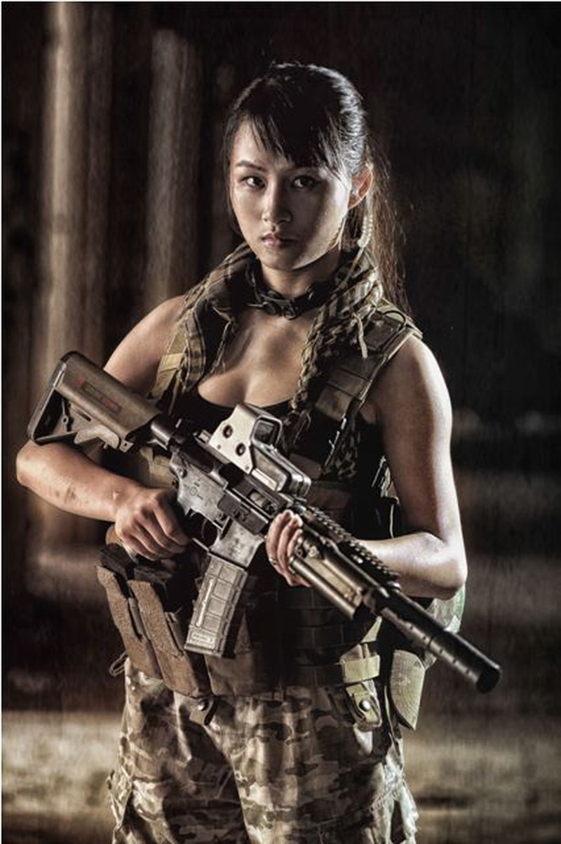 Cận cảnh trang phục, vũ khí trong phim hành động VN theo phong cách Holywood - ảnh 22