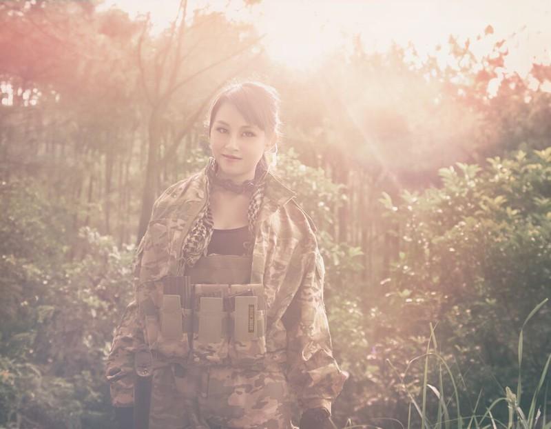 Cận cảnh trang phục, vũ khí trong phim hành động VN theo phong cách Holywood - ảnh 16