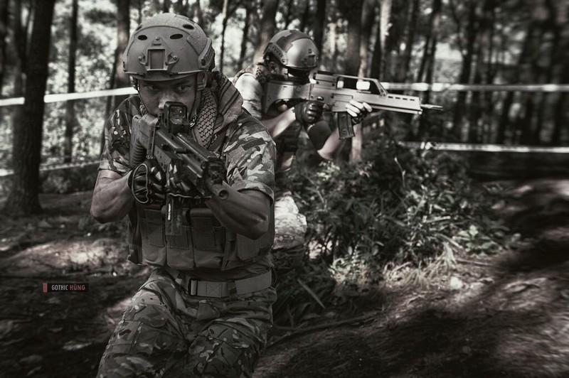 Cận cảnh trang phục, vũ khí trong phim hành động VN theo phong cách Holywood - ảnh 11