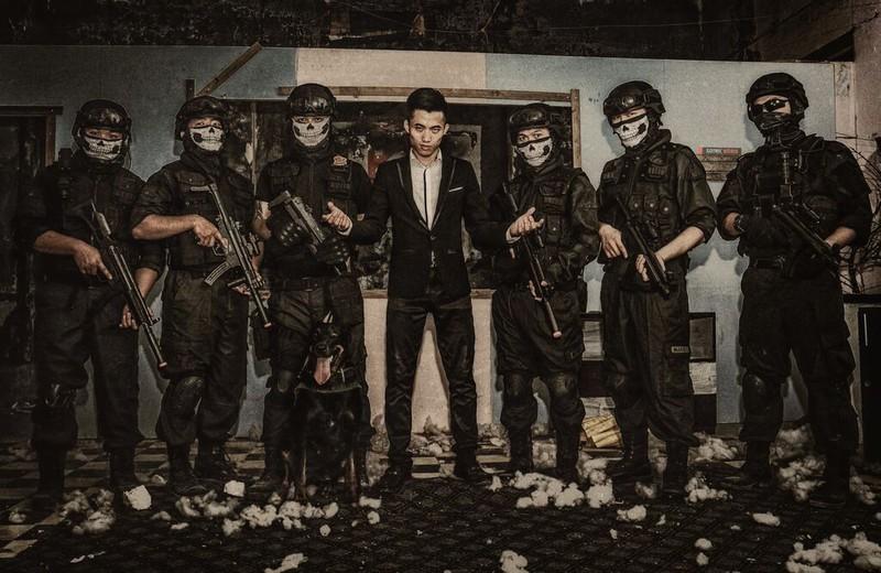 Cận cảnh trang phục, vũ khí trong phim hành động VN theo phong cách Holywood - ảnh 17