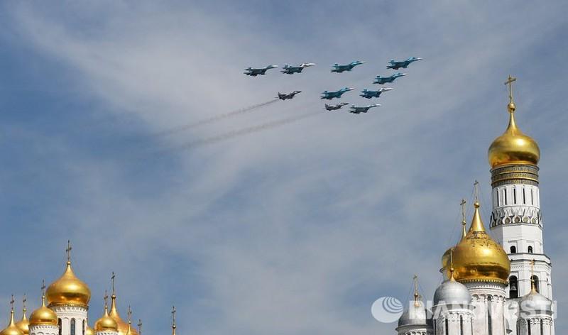 Xem Nga khoe dàn vũ khí khủng trong lễ kỷ niệm Ngày Chiến thắng 9/5 - ảnh 19