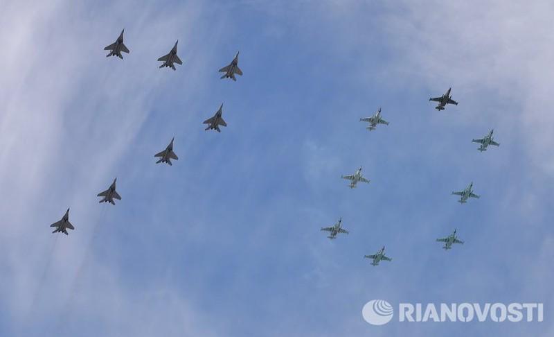 Xem Nga khoe dàn vũ khí khủng trong lễ kỷ niệm Ngày Chiến thắng 9/5 - ảnh 23