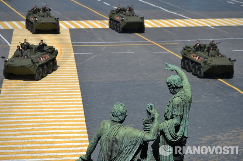Xem Nga khoe dàn vũ khí khủng trong lễ kỷ niệm Ngày Chiến thắng 9/5 - ảnh 11