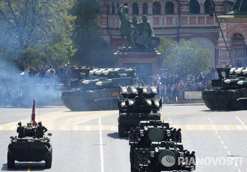 Xem Nga khoe dàn vũ khí khủng trong lễ kỷ niệm Ngày Chiến thắng 9/5 - ảnh 12