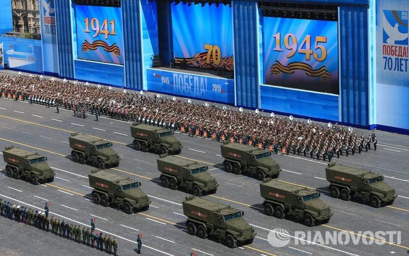 Xem Nga khoe dàn vũ khí khủng trong lễ kỷ niệm Ngày Chiến thắng 9/5 - ảnh 15