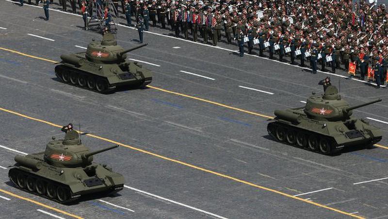 Xem Nga khoe dàn vũ khí khủng trong lễ kỷ niệm Ngày Chiến thắng 9/5 - ảnh 1