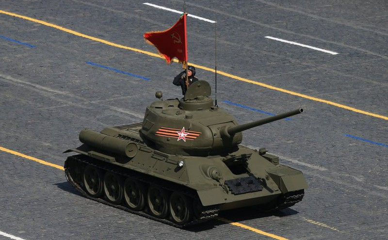 Xem Nga khoe dàn vũ khí khủng trong lễ kỷ niệm Ngày Chiến thắng 9/5 - ảnh 2