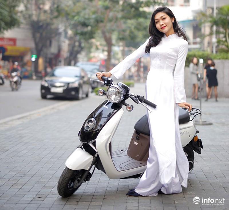 Xe điện Honda V-Sun V3 tôn dáng người đẹp áo dài - ảnh 3