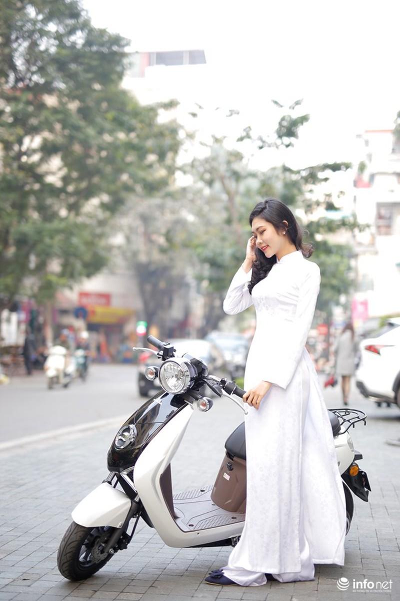 Xe điện Honda V-Sun V3 tôn dáng người đẹp áo dài - ảnh 5