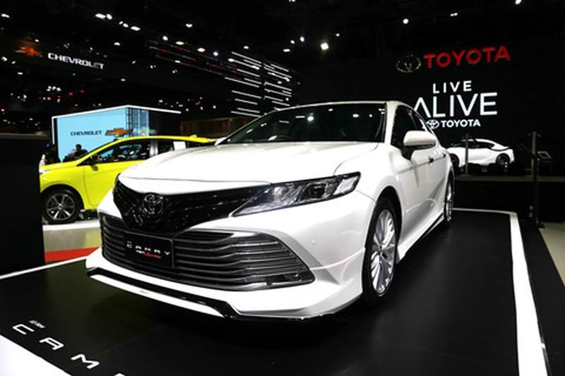 Chi tiet Toyota Camry 2019 sap ra mat tai VN hinh anh 2