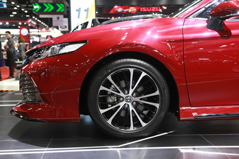 Chi tiet Toyota Camry 2019 sap ra mat tai VN hinh anh 6