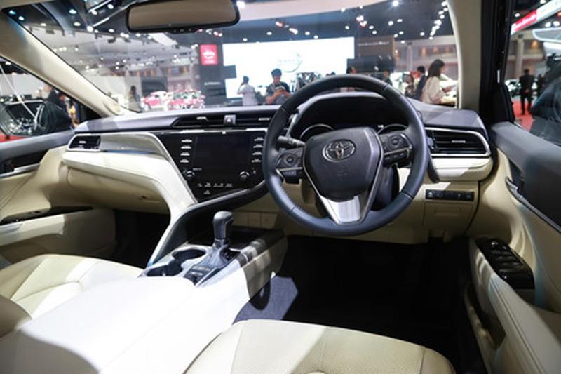 Chi tiet Toyota Camry 2019 sap ra mat tai VN hinh anh 7
