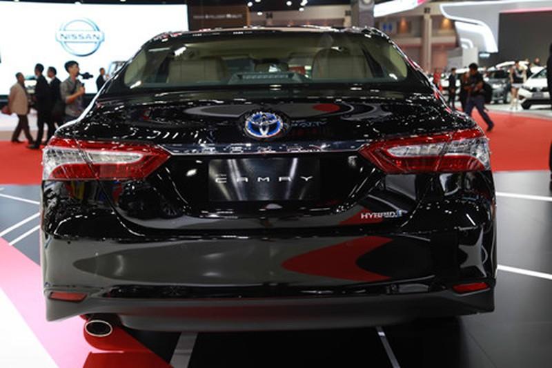 Chi tiet Toyota Camry 2019 sap ra mat tai VN hinh anh 4