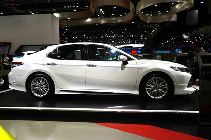 Chi tiet Toyota Camry 2019 sap ra mat tai VN hinh anh 3