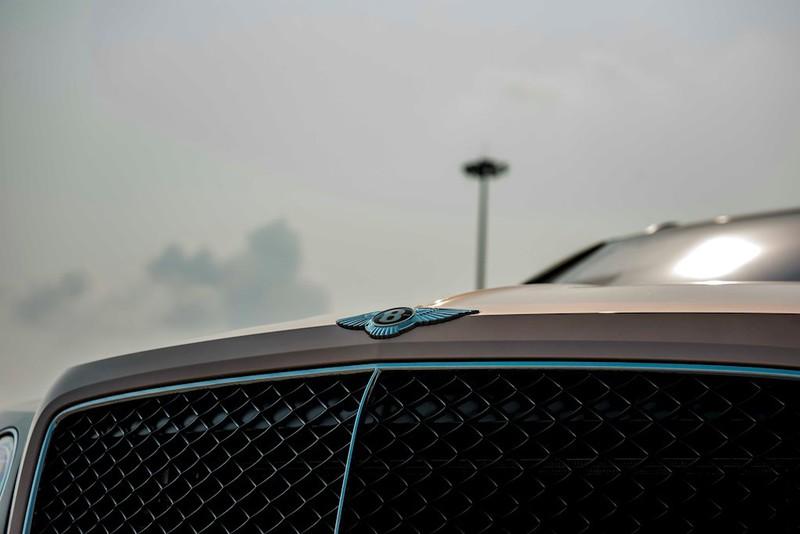 Cận cảnh Bentley Bentayga V8 màu hiếm Century Gold xuất hiện ở Việt Nam - ảnh 6
