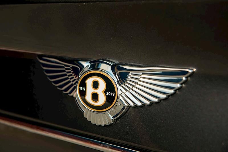 Cận cảnh Bentley Bentayga V8 màu hiếm Century Gold xuất hiện ở Việt Nam - ảnh 4