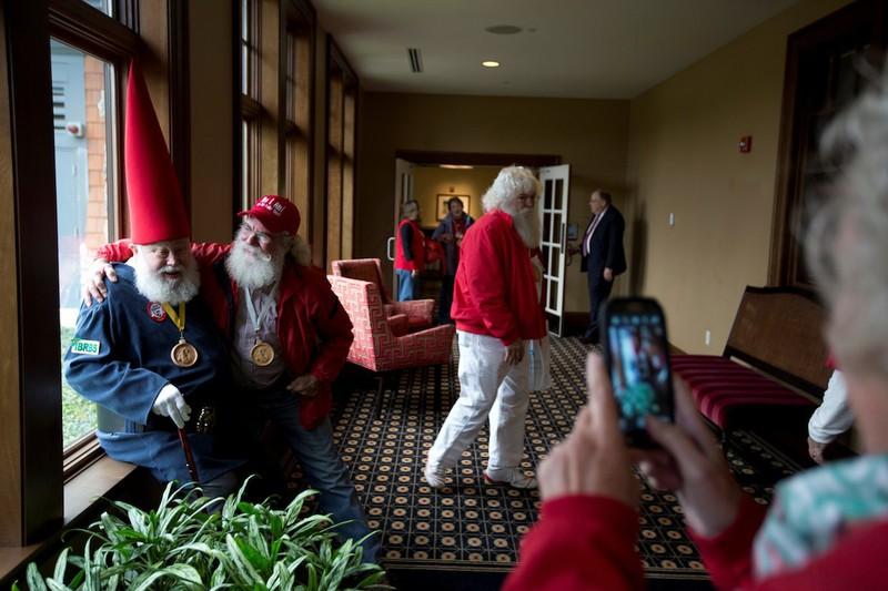 Muốn làm Santa Claus cũng phải học - ảnh 1