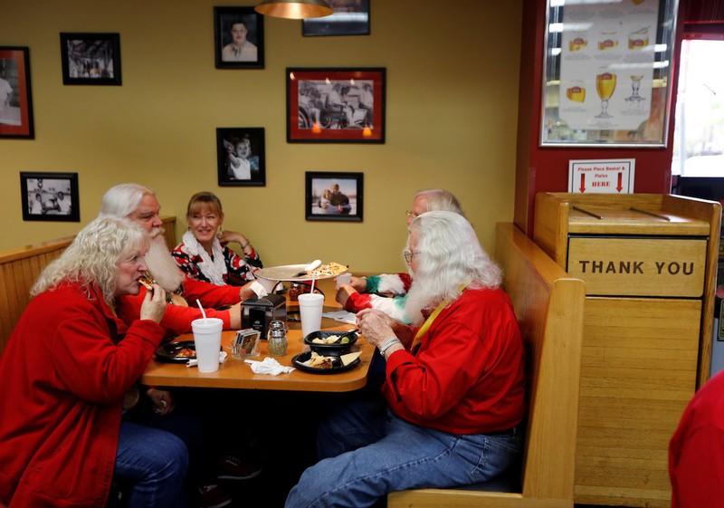 Muốn làm Santa Claus cũng phải học - ảnh 12