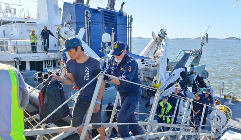 Ảnh: 15 ngư dân Việt Nam bị bắt vì đánh bắt trái phép ở Australia - ảnh 12