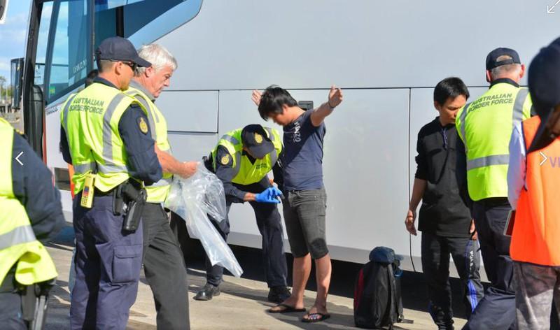 Ảnh: 15 ngư dân Việt Nam bị bắt vì đánh bắt trái phép ở Australia - ảnh 14