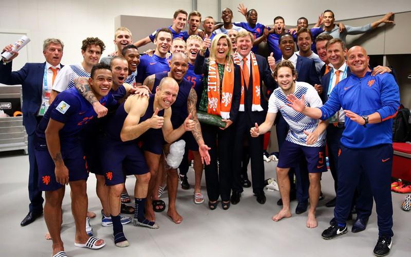 Các nguyên thủ quốc gia cũng 'phát cuồng' vì World Cup - ảnh 15