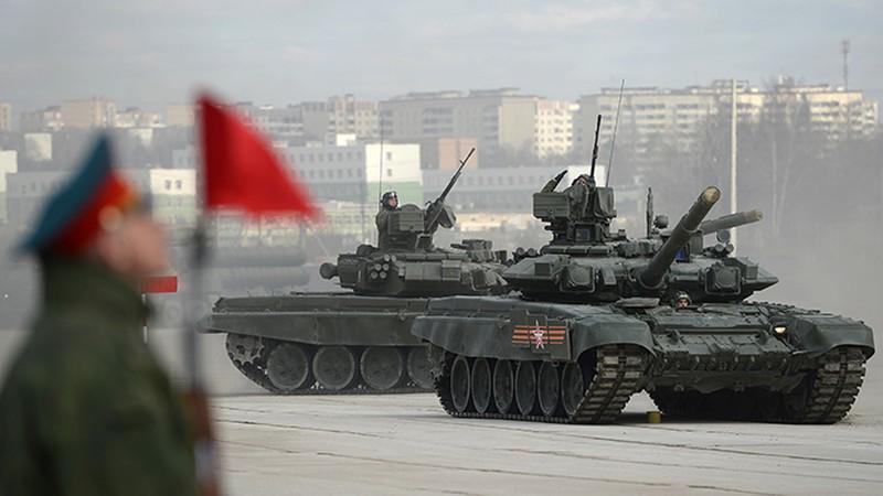 Video: Nga khoe dàn vũ khí khủng chuẩn bị cho Ngày Chiến thắng - ảnh 1