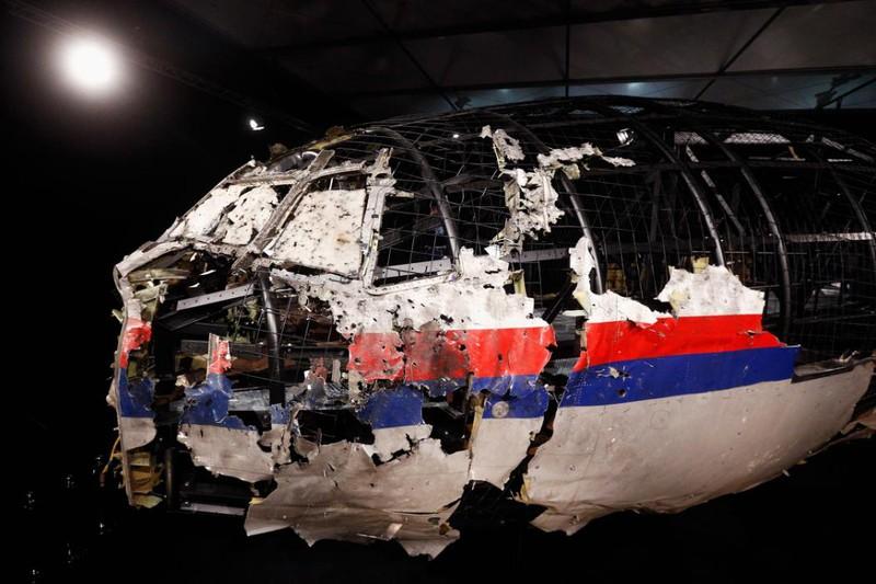 Những gì còn sót lại của chuyến bay định mệnh MH17 - ảnh 4