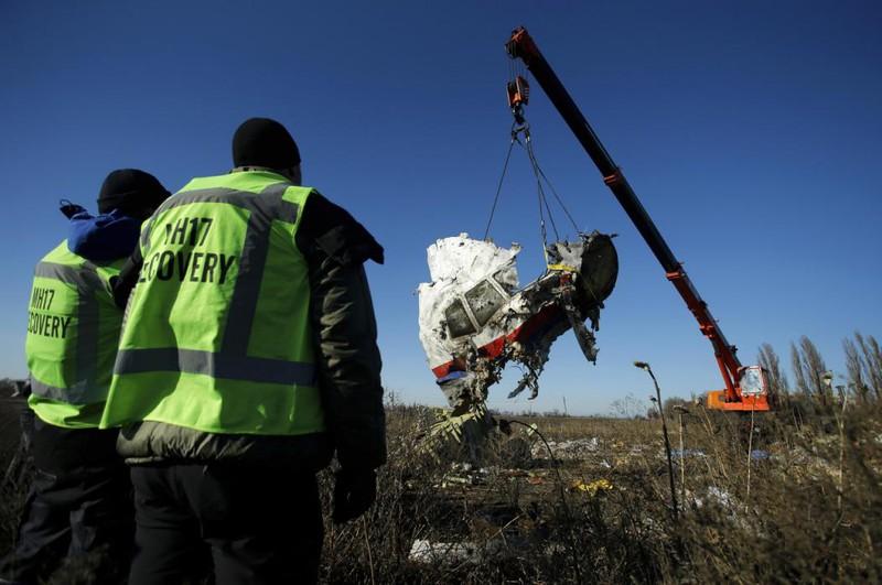 Những gì còn sót lại của chuyến bay định mệnh MH17 - ảnh 6