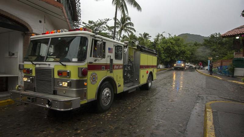 Những hình ảnh đầu tiên về siêu bão Patricia đổ bộ vào Mexico - ảnh 7