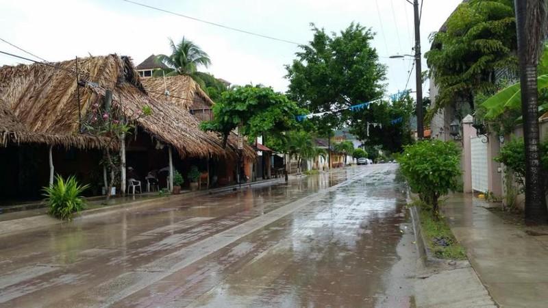 Những hình ảnh đầu tiên về siêu bão Patricia đổ bộ vào Mexico - ảnh 3