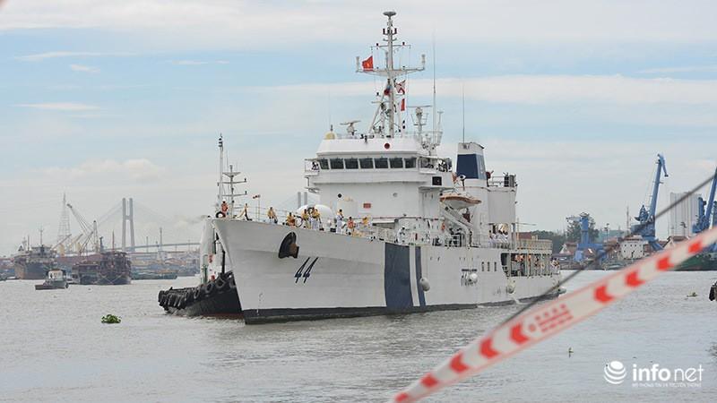 Tàu tuần duyên hơn 2.000 tấn của Ấn Độ tới thăm TP.HCM - ảnh 1