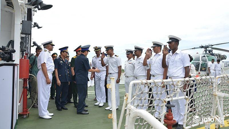 Tàu tuần duyên hơn 2.000 tấn của Ấn Độ tới thăm TP.HCM - ảnh 8