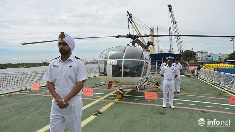 Tàu tuần duyên hơn 2.000 tấn của Ấn Độ tới thăm TP.HCM - ảnh 4