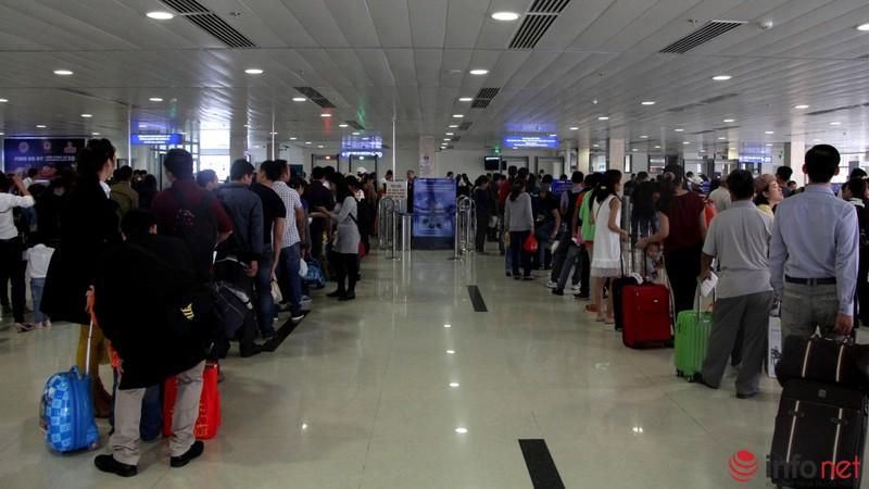 Sân bay Tân Sơn Nhất thông thoáng ngày cuối năm - ảnh 9
