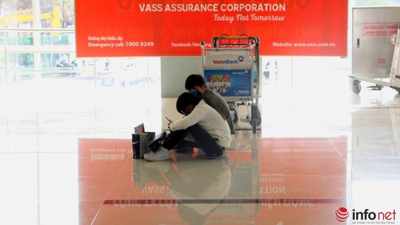 Sân bay Tân Sơn Nhất thông thoáng ngày cuối năm - ảnh 10