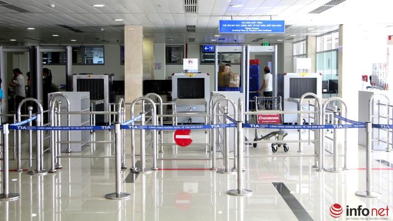 Sân bay Tân Sơn Nhất thông thoáng ngày cuối năm - ảnh 11