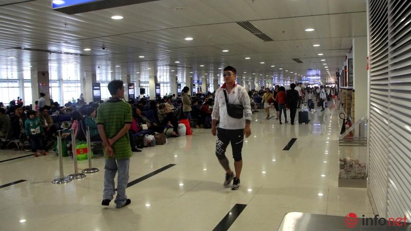 Sân bay Tân Sơn Nhất thông thoáng ngày cuối năm - ảnh 12