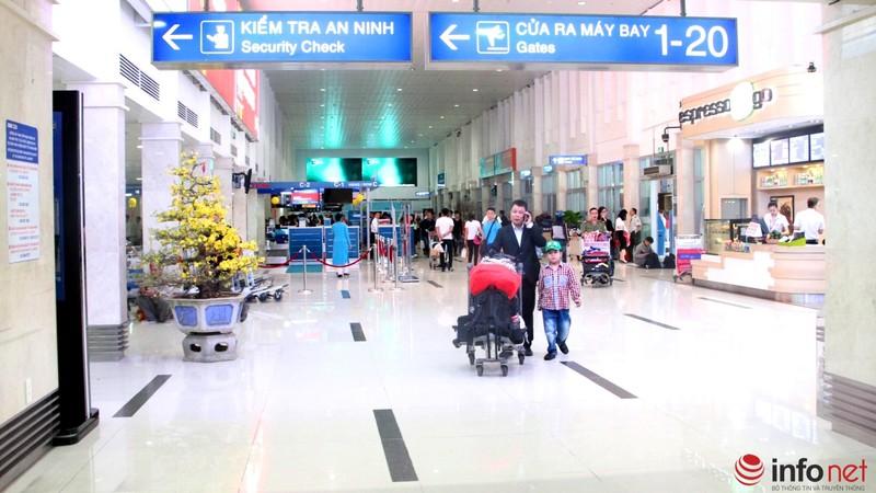 Sân bay Tân Sơn Nhất thông thoáng ngày cuối năm - ảnh 1