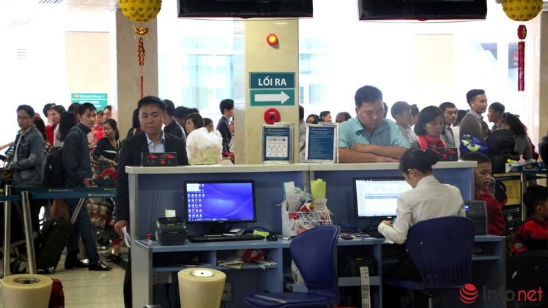 Sân bay Tân Sơn Nhất thông thoáng ngày cuối năm - ảnh 6