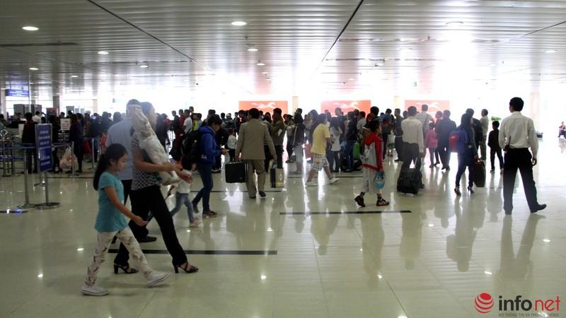 Sân bay Tân Sơn Nhất thông thoáng ngày cuối năm - ảnh 8