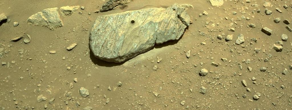 Hai mẫu đá sao Hỏa của NASA tiết lộ từng tiếp xúc với nước thời gian dài -0