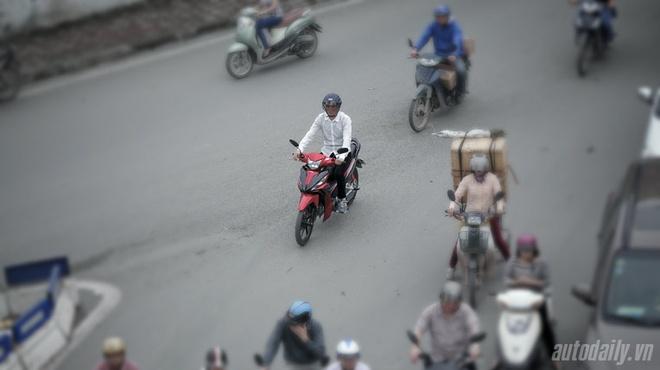 Đi xe máy kiểu nào thì tiết kiệm xăng nhất - ảnh 2