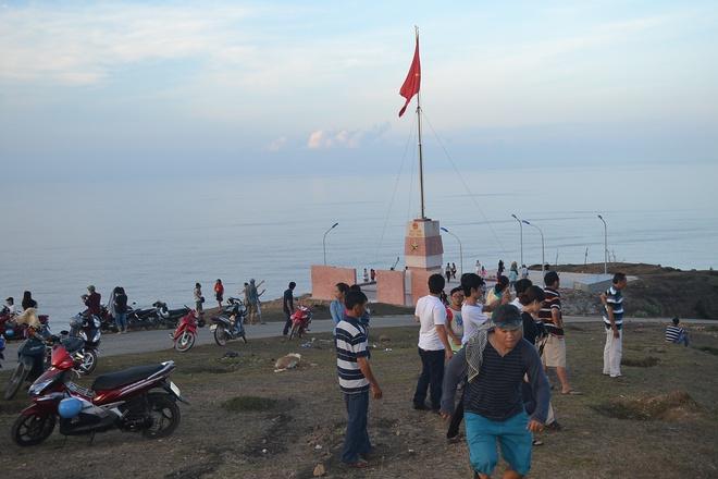 khánh thành khu vui chơi và nhà vệ sinh cho trẻ huyện đảo Lý Sơn - ảnh 2