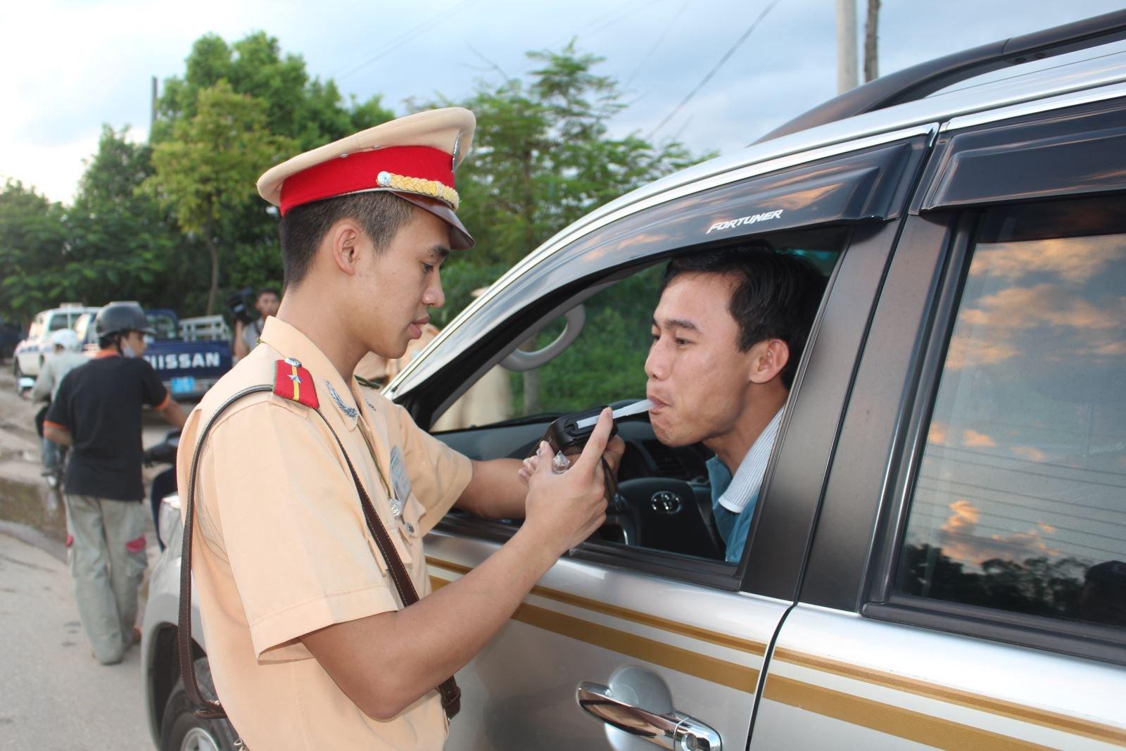 9 điều cần lưu ý để lái xe an toàn vào ban đêm - Tránh các chất ảnh hưởng tiêu cực đến khả năng lái xe