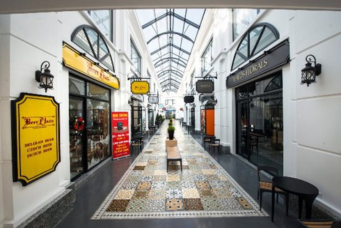 Trung tâm ẩm thực, mua sắm siêu sang Almaz khuyến mãi khách hàng - ảnh 3