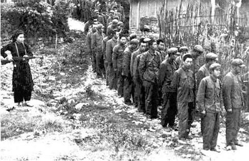 Shop TIN ngày 16/2: Lòng người Việt Nam nào đâu thích gì bom đạn - ảnh 8