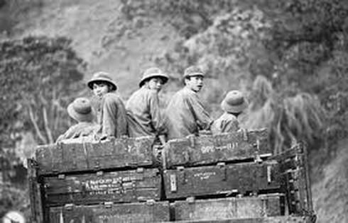 Shop TIN ngày 16/2: Lòng người Việt Nam nào đâu thích gì bom đạn - ảnh 1