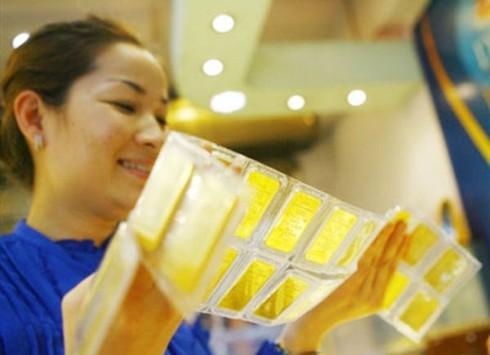 Giá vàng hôm nay 15/6 tăng hơn 100 nghìn đồng/lượng, USD cũng quay đầu tăng giá - ảnh 1