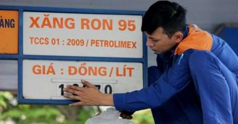 Tăng kịch khung thuế BVMT vào giá xăng: Bộ Tài chính chưa quyết định gì cả! - ảnh 1