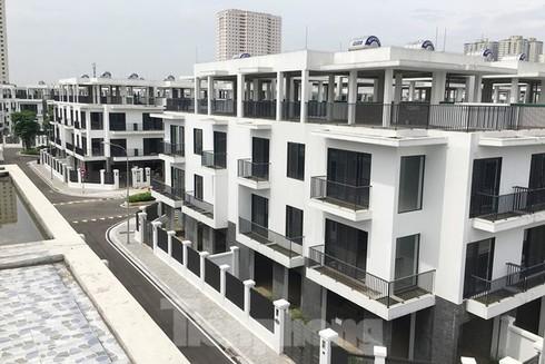 Hà Nội báo cáo dự án The Eden Rose 'vẽ' thêm tầng, xây trường học không phép - ảnh 1